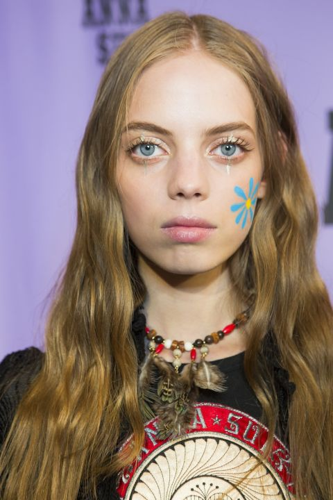 sfilate-primavera-estate-2018-new-york-trend-beauty-anna-sui