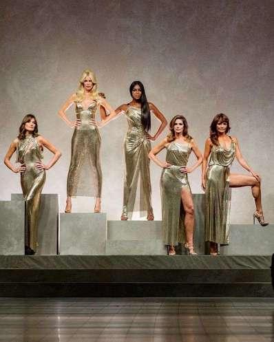 Versace-top model